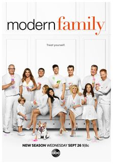 //assets.deltapictures.it/images/Pctv/locandine/serie-tv/trailers/TRmodernfamily10.jpg